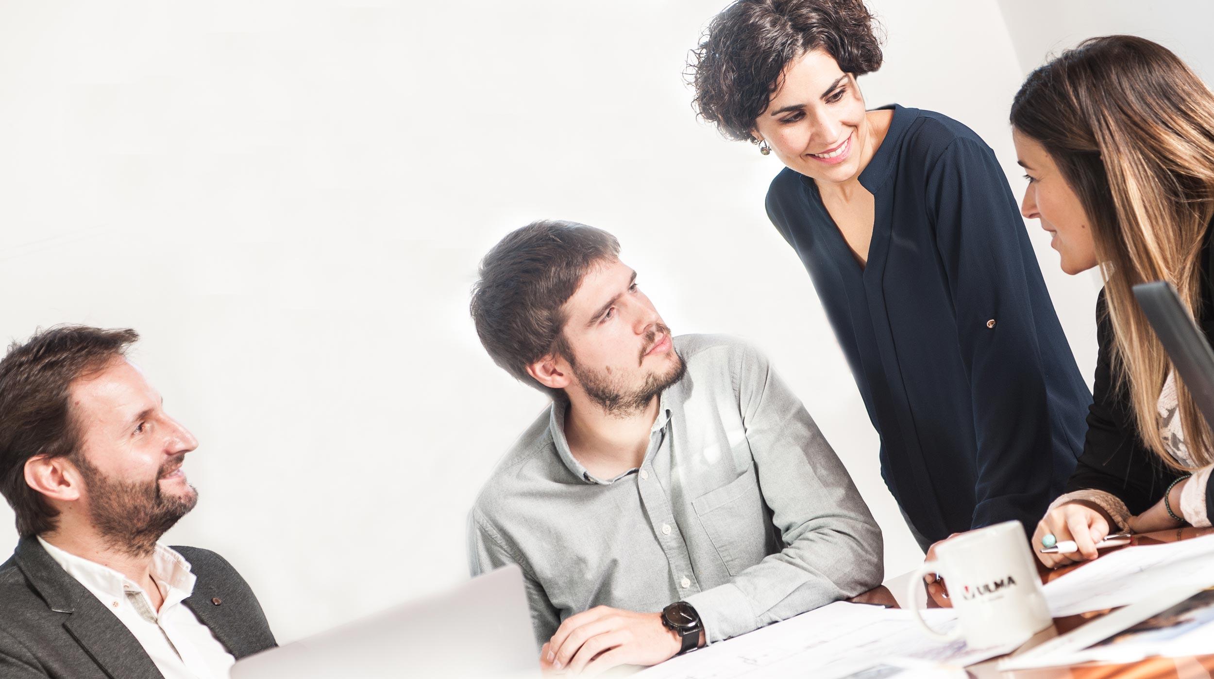 Buscamos talento. Buscamos personas creativas y predispuestas que sean capaces de innovar. Si das con el perfil, te estamos buscando.
