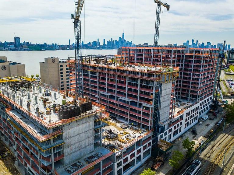 Productividad y seguridad en la edificación de 800 Harbor Boulevard de Nueva Jersey